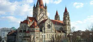 Каким видом транспорта лучше всего добираться из Праги в Вену?
