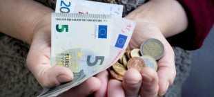 Средняя и минимальная пенсия в Латвии в 2021 годах: описываем со всех сторон