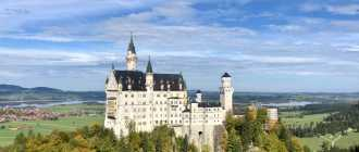 Белый замок Нойшванштайн в Германии
